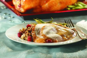 Turkey_Stuffed_with_Cranberries_and_Maple_Syrup_2.jpg