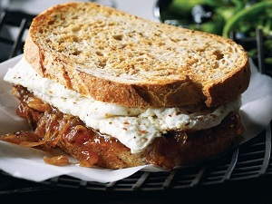 egg-white-with-caramelized-onions-and-jam-sandwich-msw.jpg