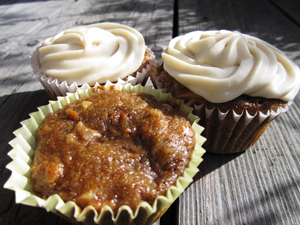Vegan Carrot Apple Spice Cakes
